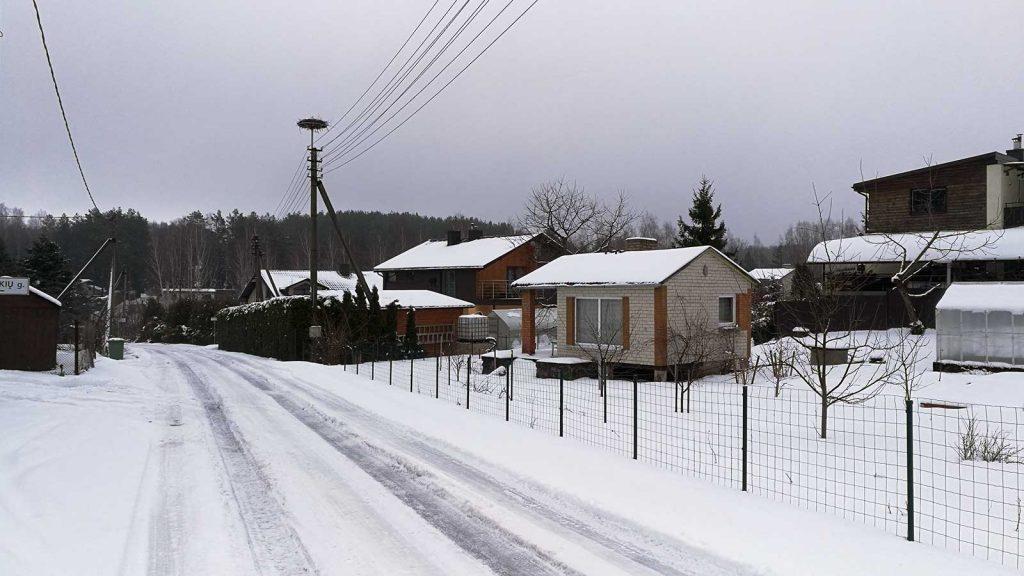 Kelias sodininkų bendrijoje žiemą
